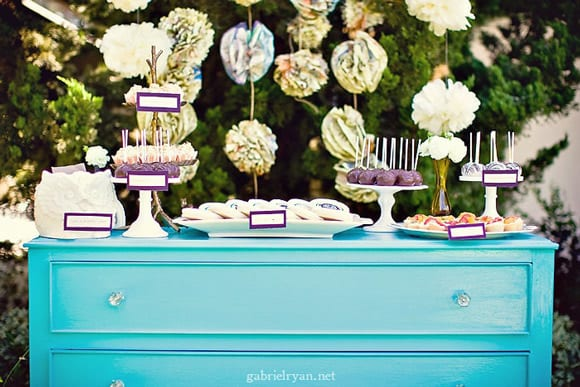 baby-shower-inspiration-guestbook-table