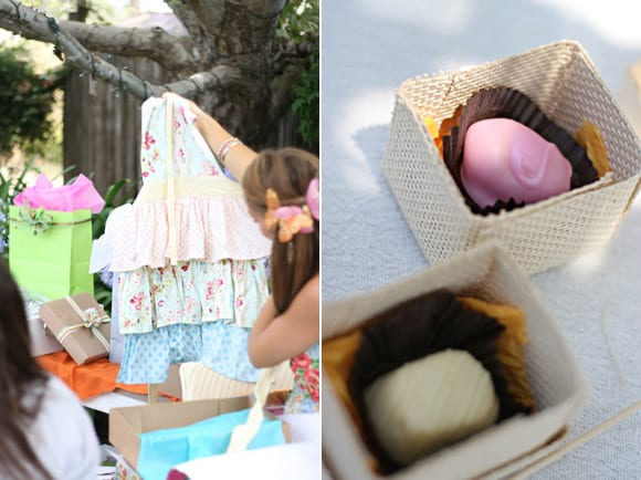 bridal-shower-gifts-favors-frilly-apron