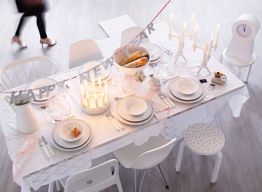 A very happy new year 39 s eve table the sweetest occasion - Tavole apparecchiate moderne ...