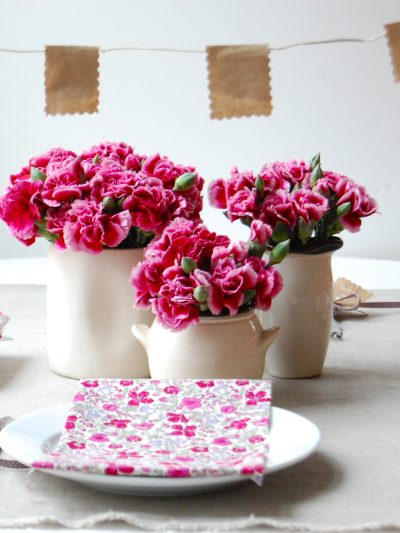 Budget Friendly Wedding Centerpieces from Chelsea Fuss thumbnail