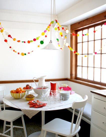 diy-felt-party-garland-the-purl-bee