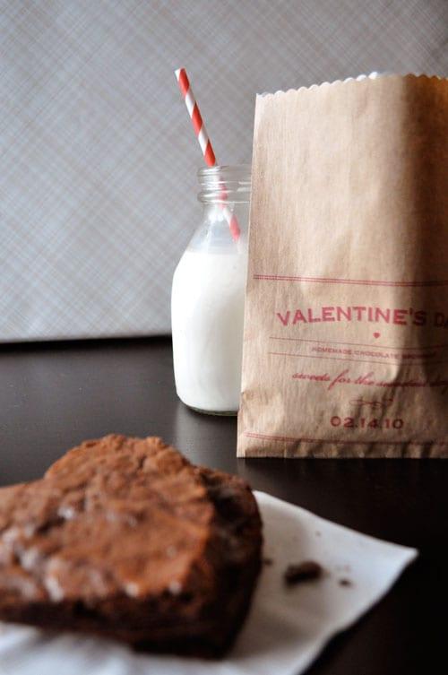 diy-valentine's-day-brownie-bag