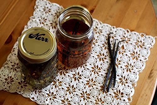 diy-vanilla-extract-recipe