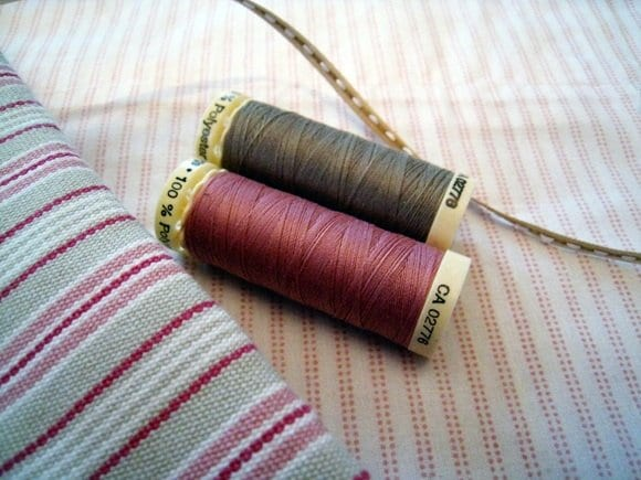 pink-gray-striped-cotton-fabric-spools-of-thread