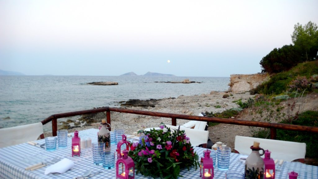 purple-blue-gingham-lanterns-outdoor-bea