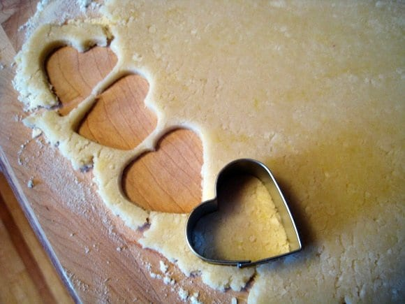 heart-shaped-cookie-cutter
