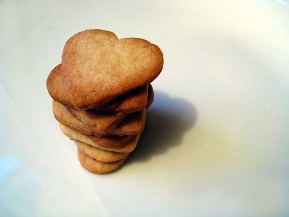 heart-shaped-sugar-cookie