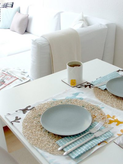 Modern Ocean-Inspired Table Setting thumbnail