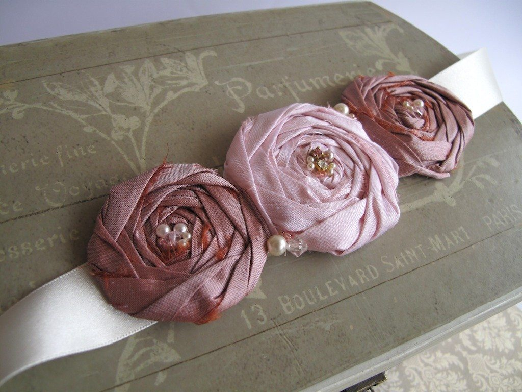 Corsages and Brooches on Pinterest