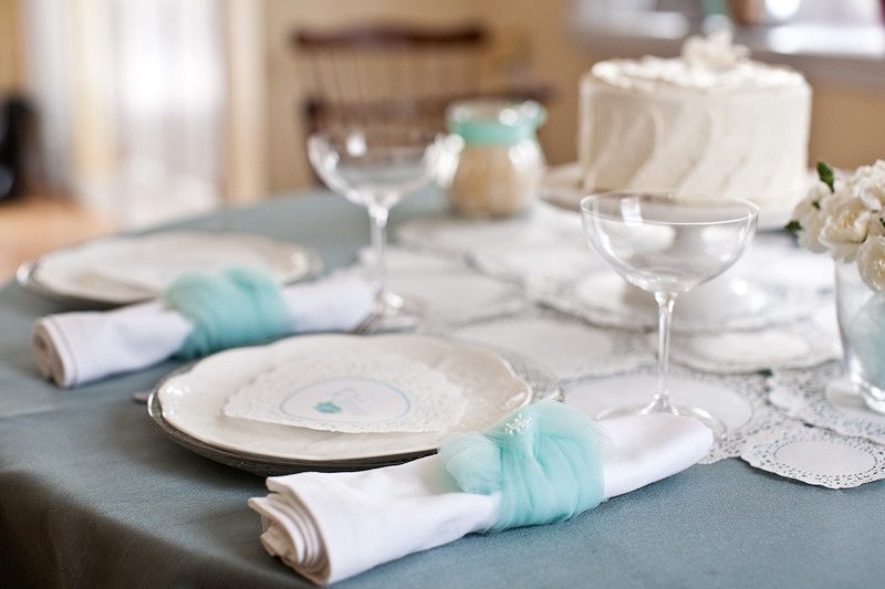 Super cute tulle napkin rings via The Sweetest Occasion