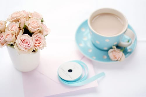 blue-white-polka-dot-tea-cup-pink-roses