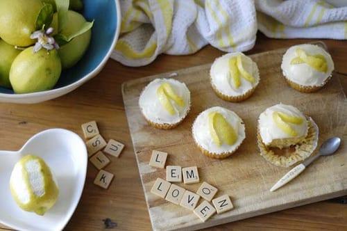 lemon-muffin-cupcakes-lemon-icing