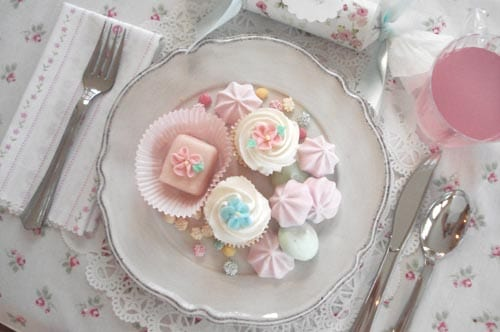 pink-floral-table-linens-cupcakes-tea-party
