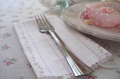 pink-rose-cloth-napkins-birthday-party-themes