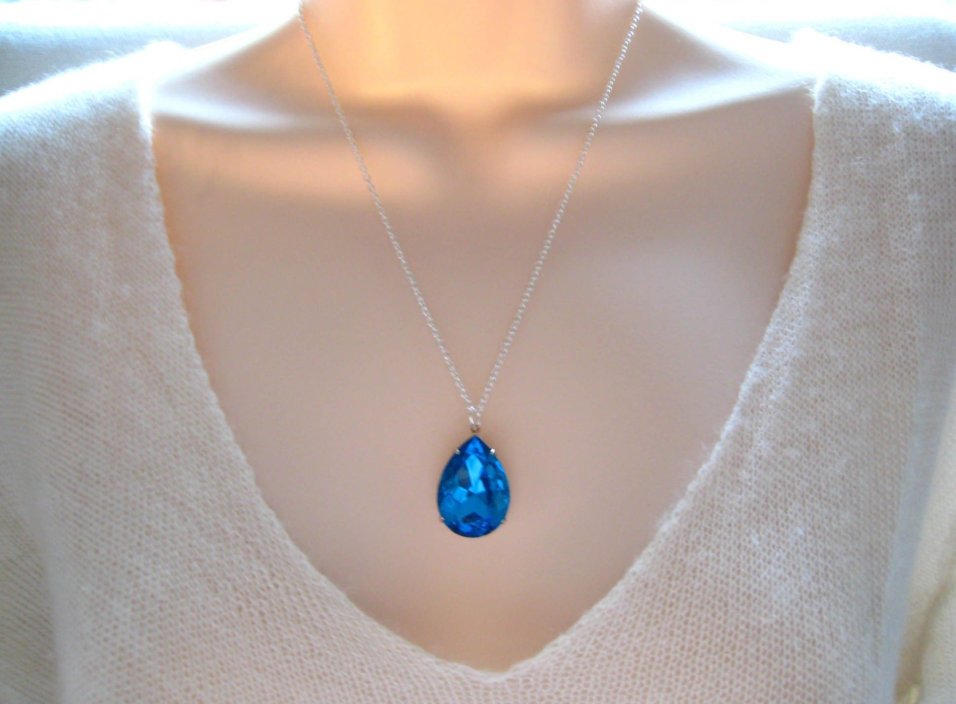 Vintage aquamarine tear drop necklace The Sweetest Occasion