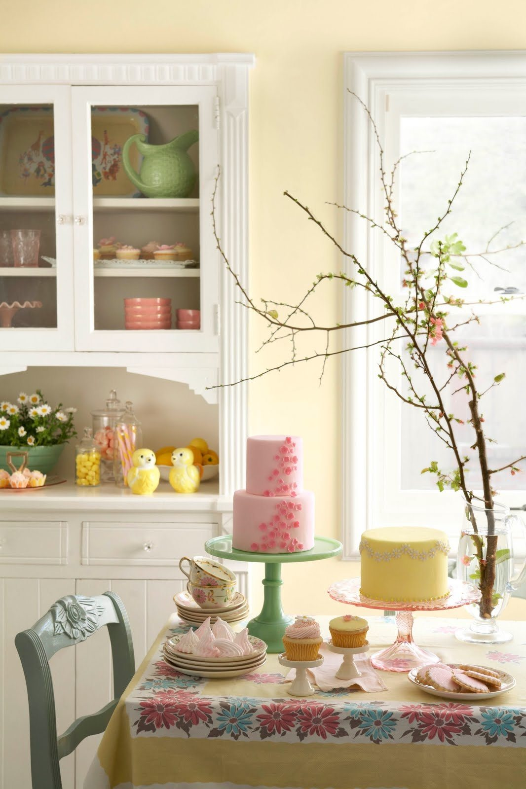 Pink yellow green birthday party country dining room the for Cute yellow kitchen ideas