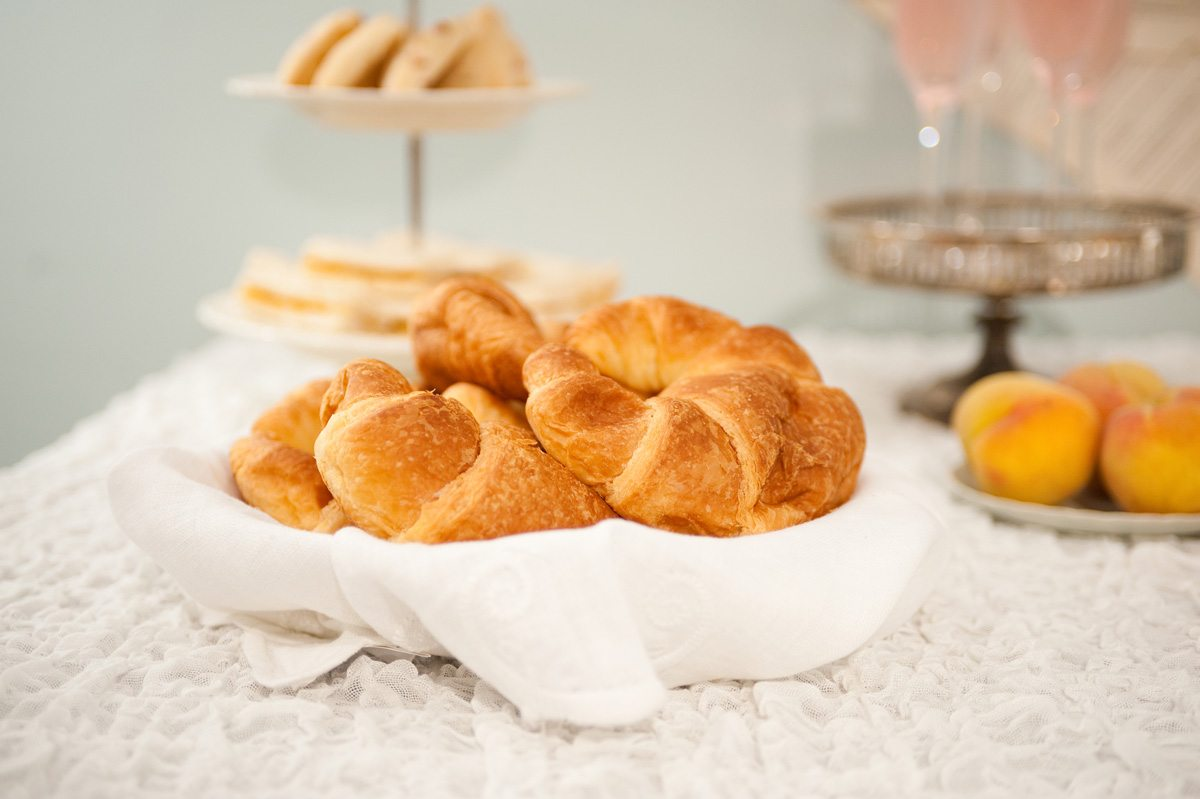 wedding-brunch-ideas-croissants