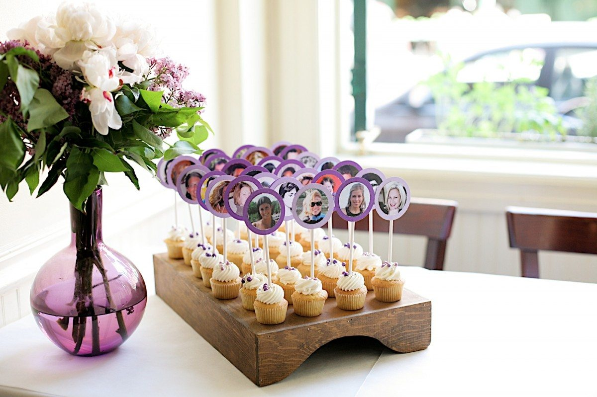 Diy cupcake escort cards the sweetest occasion for Accessoire deco