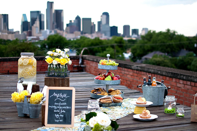 Inspired creations rooftop picnic wedding ideas the for Decoration table buffet dinatoire