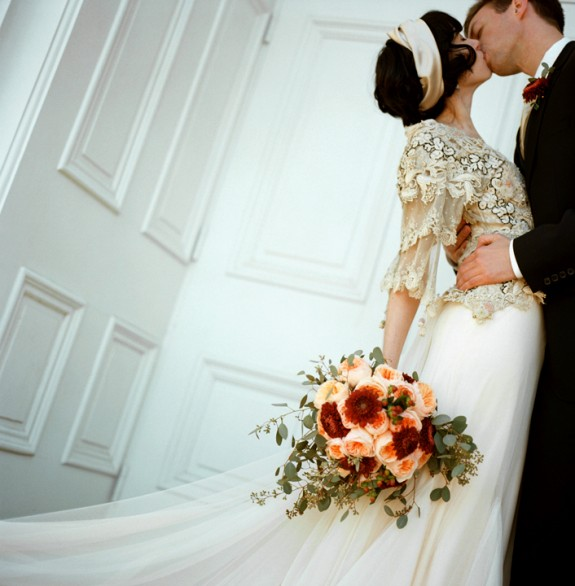 vintage-wedding-dress-peach-rose-bouquet