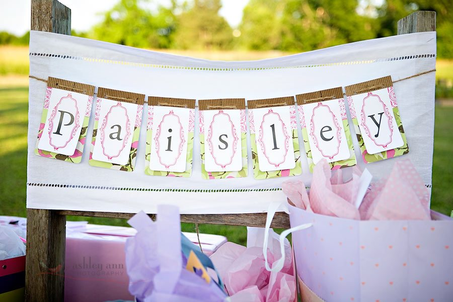A backyard baby shower the sweetest occasion for Baby shower diy decoration ideas
