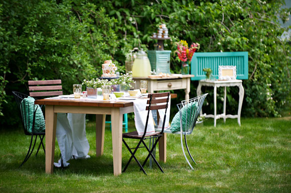 vintage-inspired-outdoor-wedding-ideas-2