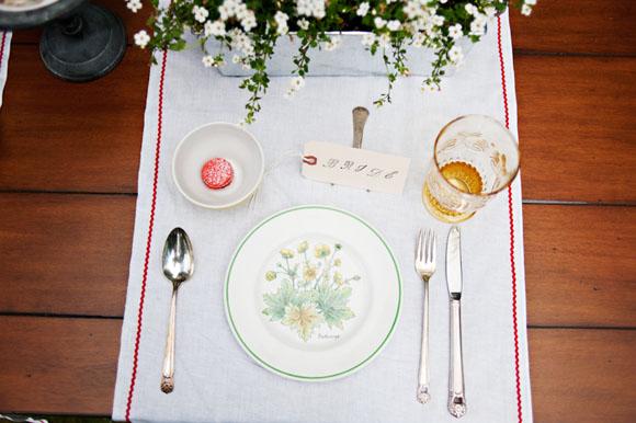 vintage-linens-patterned-china-15