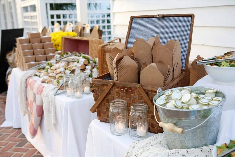 Elegant summer picnic wedding inspiration the sweetest occasion the sweet - Deco mariage vintage ...