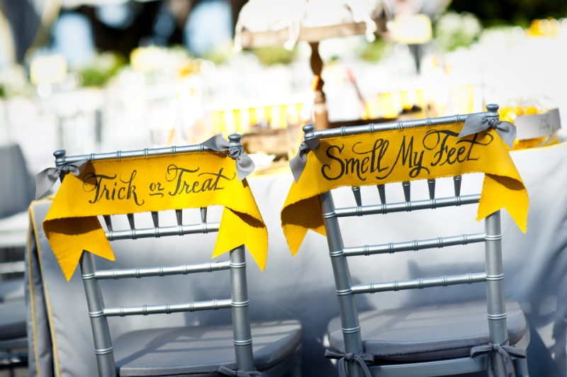 A chic halloween wedding the sweetest occasion halloween wedding ideas junglespirit Images