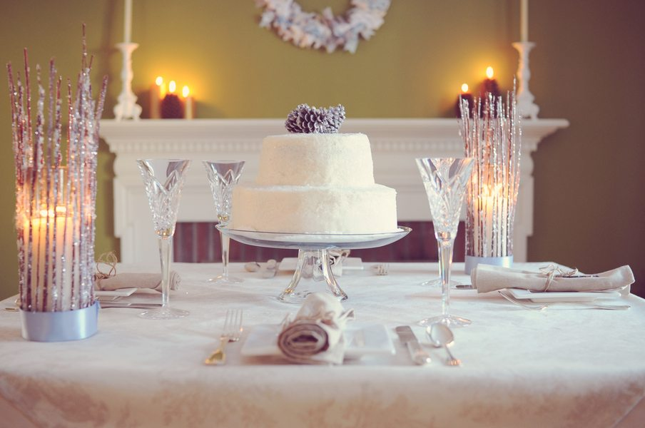 Winter wedding inspiration shoot the sweetest occasion for Simple wedding home decorations