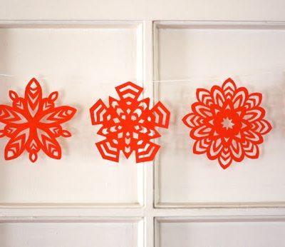 DIY Paper Snowflakes thumbnail