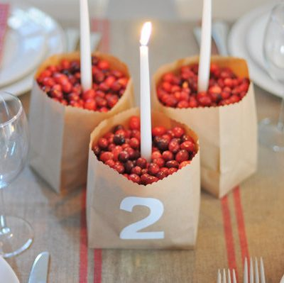 A Pretty Winter Table thumbnail