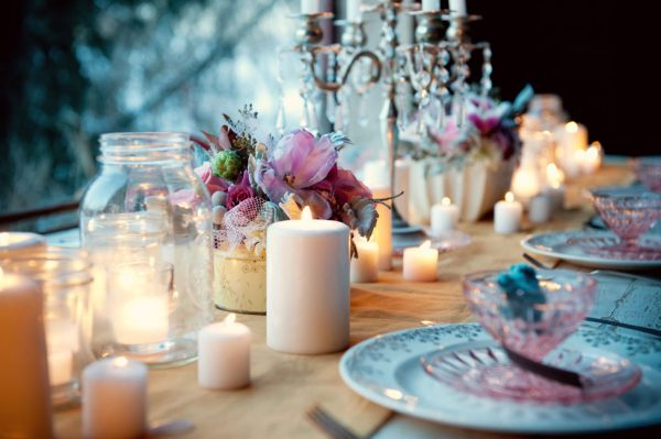 ... to two for a romantic dinner. Don't you love this table setting