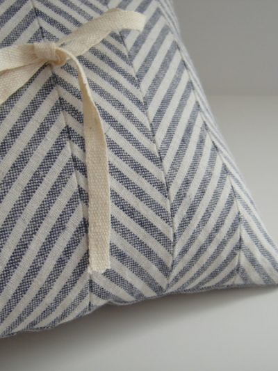 DIY Chevron Ring Pillow thumbnail