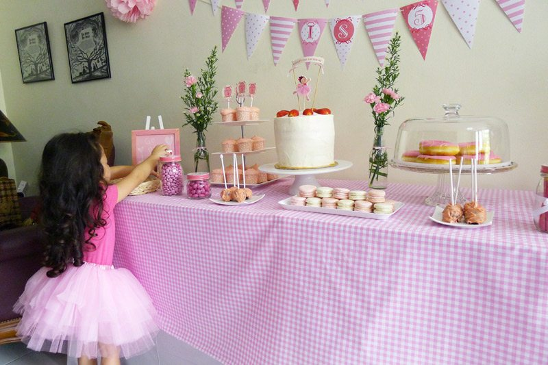 Pink ballerina birthday party the sweetest occasion for Ballerina party decoration