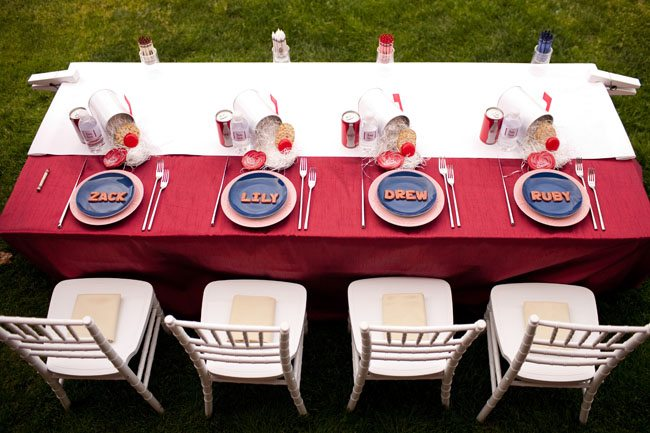 Kids wedding table The Sweetest Occasion
