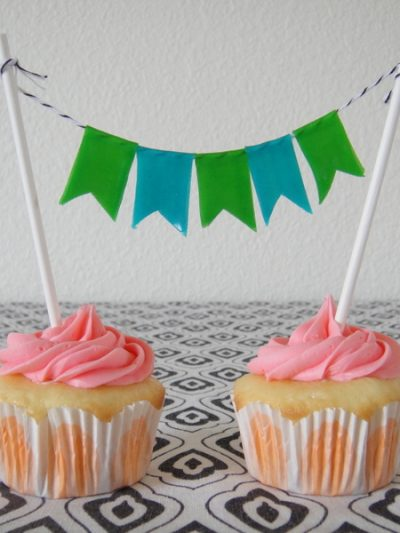 DIY Edible Cake Toppers and Bunting thumbnail