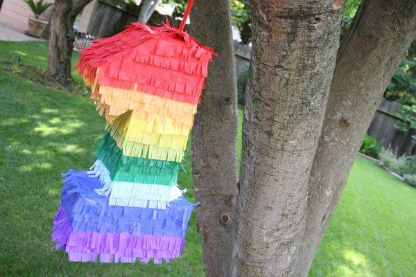 How to Make a Pinata - Easy DIY Pinata Tutorial