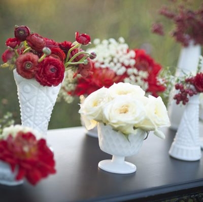 Pretty Red + White Wedding Flowers thumbnail