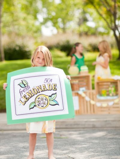Summer Lovin: A Lemonade Stand thumbnail