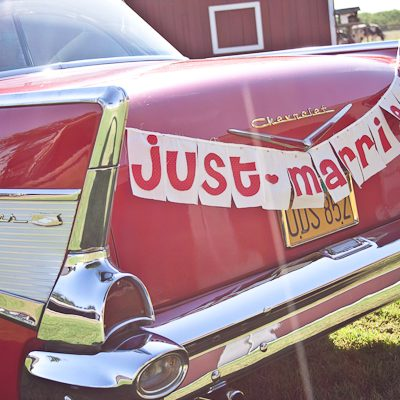 DIY Just Married Banner thumbnail