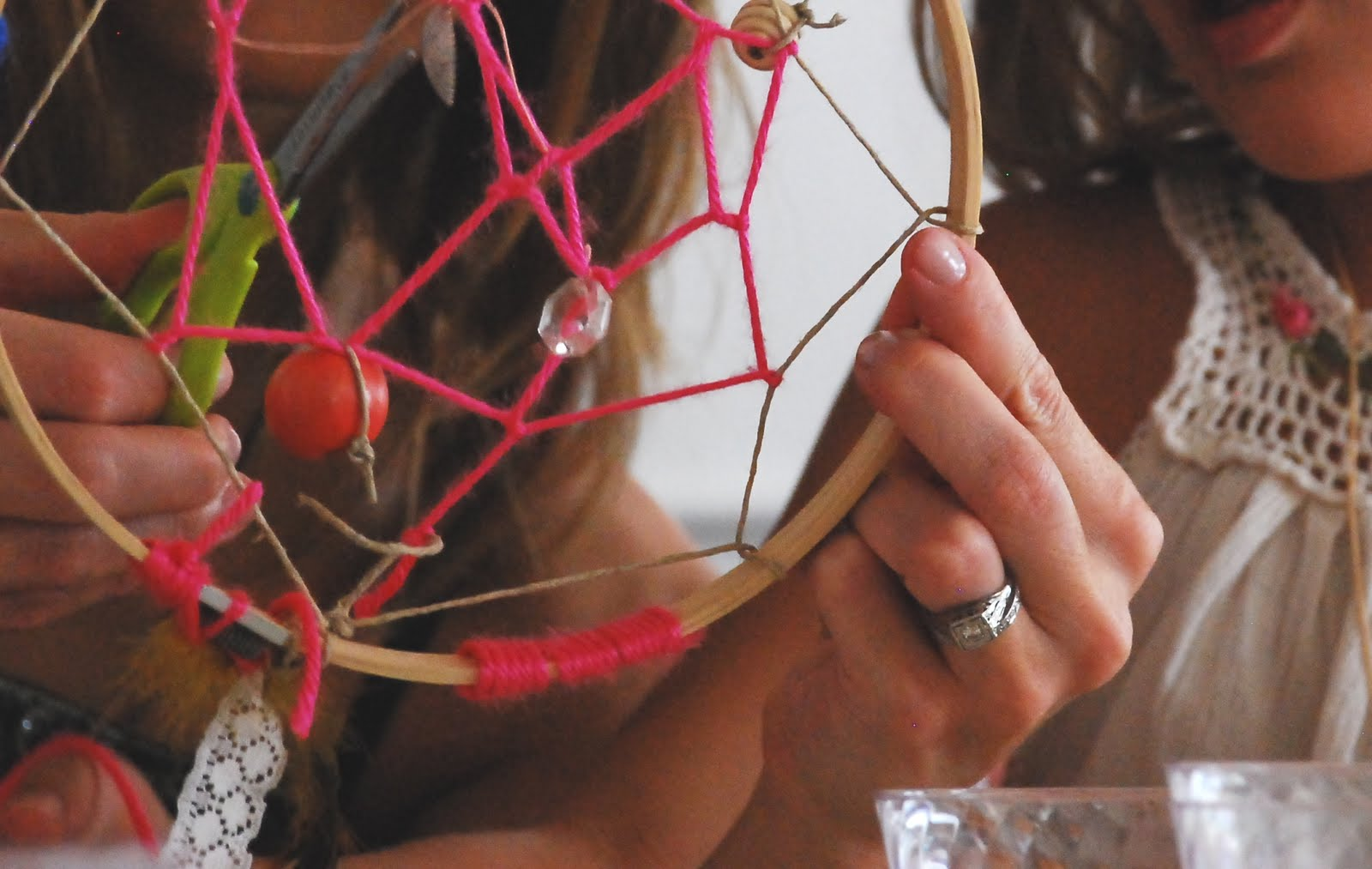 A dreamcatcher birthday party the sweetest occasion for How to make homemade dream catchers