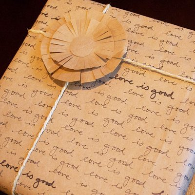 DIY Handwritten Wrapping Paper thumbnail