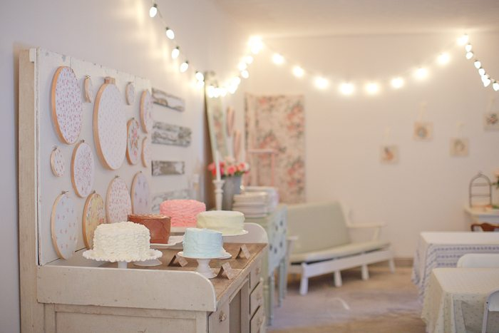 A shabby chic first birthday party the sweetest occasion - Deco anniversaire chic ...