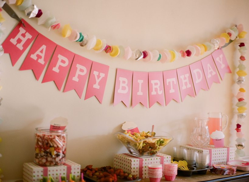 A Cupcake Birthday Party The Sweetest Occasion