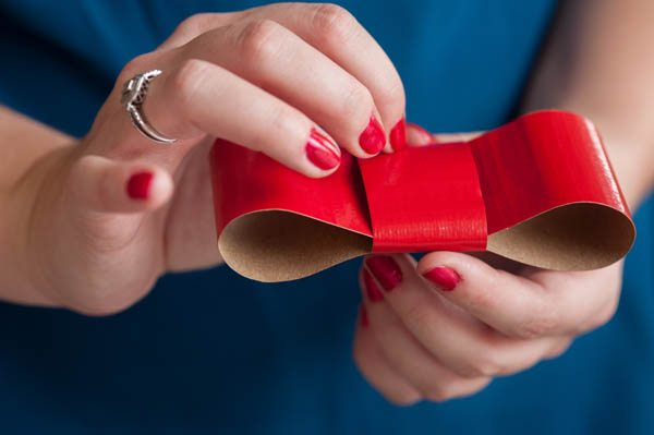 DIY duct tape ribbon gift wrap | The Sweetest Occasion