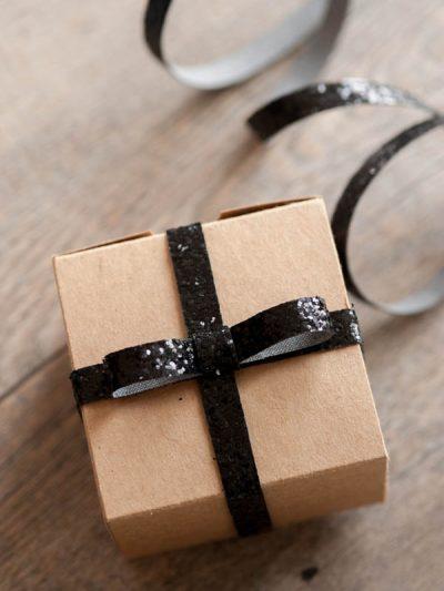 Sparkly DIY Gift Wrap thumbnail