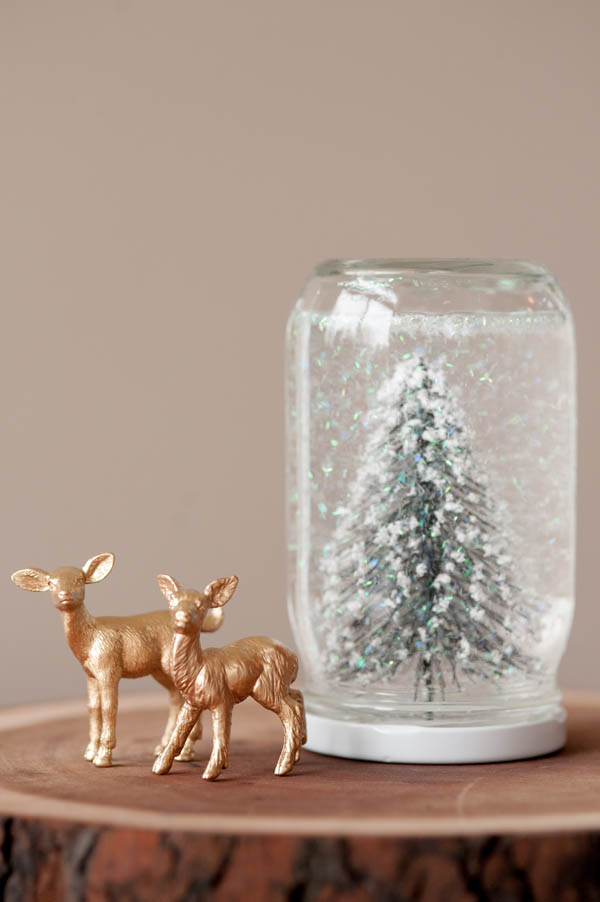 DIY Snow Globes - The Sweetest Occasion