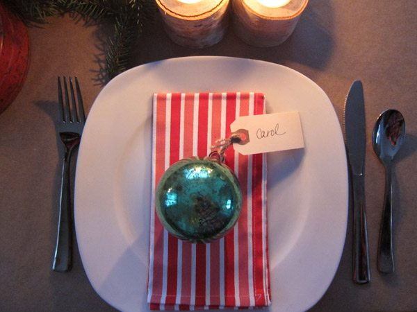 Pretty holiday decor | The Sweetest Occasion