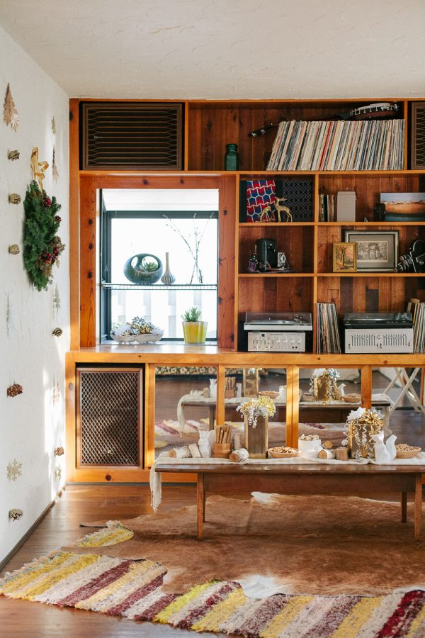 Cozy midcentury Christmas party by Anne Sage + The Why We Love on The Sweetest Occasion